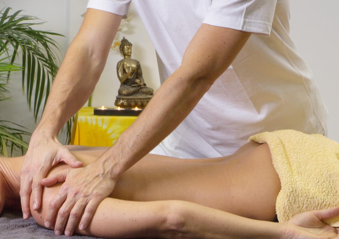massage-2768832_1920.jpg